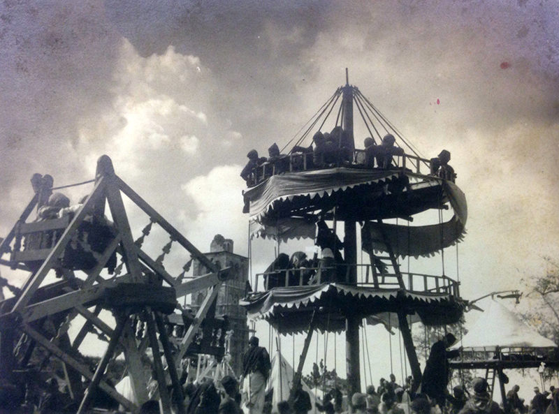 Fair in Ramleh - F.Scholten - NINO