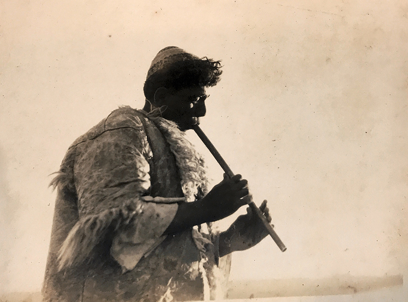Shephard playing flute - F.Scholten - NINO